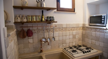 Trullo Mandorlo - well furnished kitchen