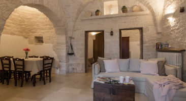Trullo Mandorlo - view of the living area