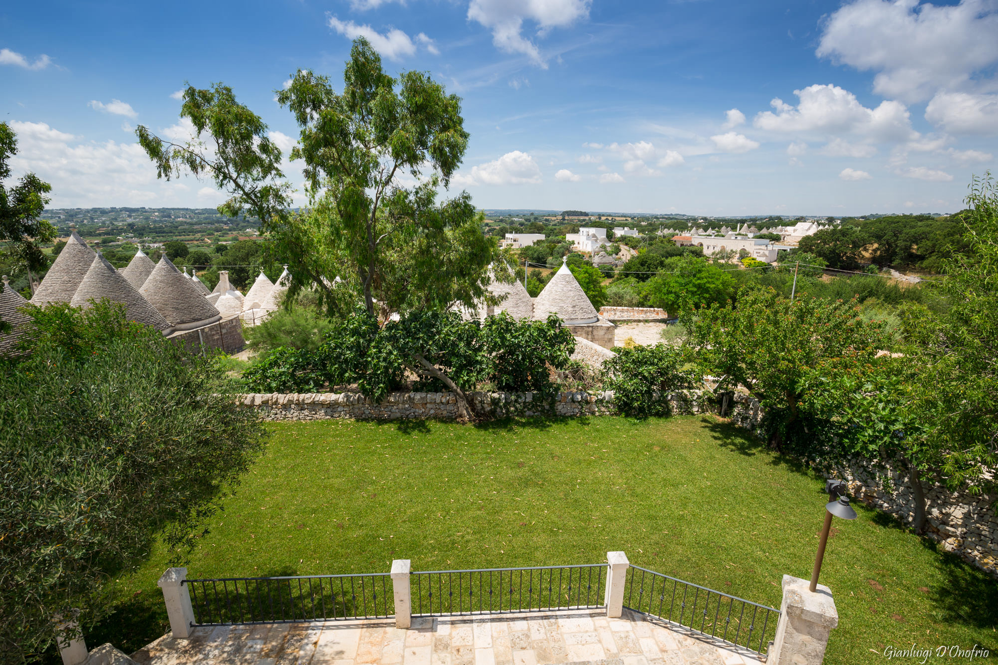 Trullo Mandorlo - view from the roof