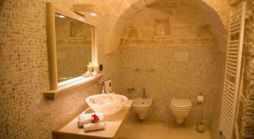 Trullo Mandorlo - Main private bathroom